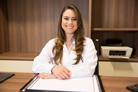 Dr. Ana Carolina Queiroz Lopes